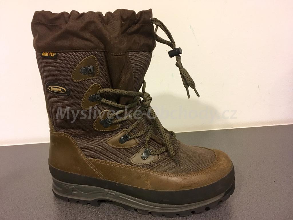 Úplně nové boty Meindl - jeden z nejprodávanějších modelů z kategorie zimní  obuvi. Lehký 17e08036bd